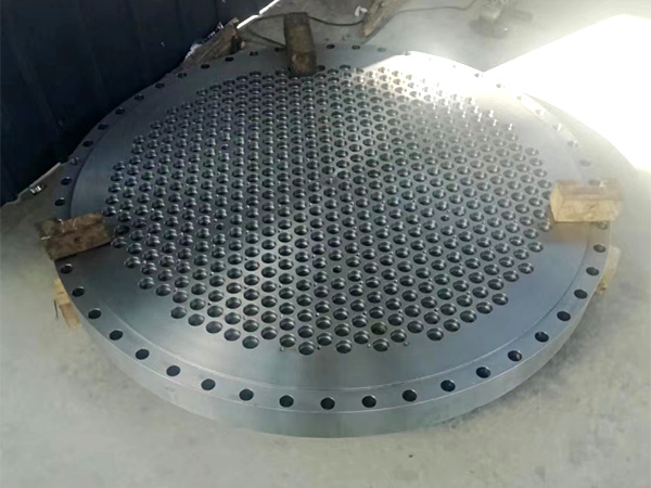 Titanium alloy tube sheet